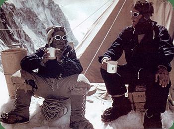 Hillary en Tenzing schreven de eerste beklimming van de Mount Everest op hun naam